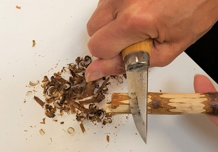 Vuole puinen virkkuukoukku